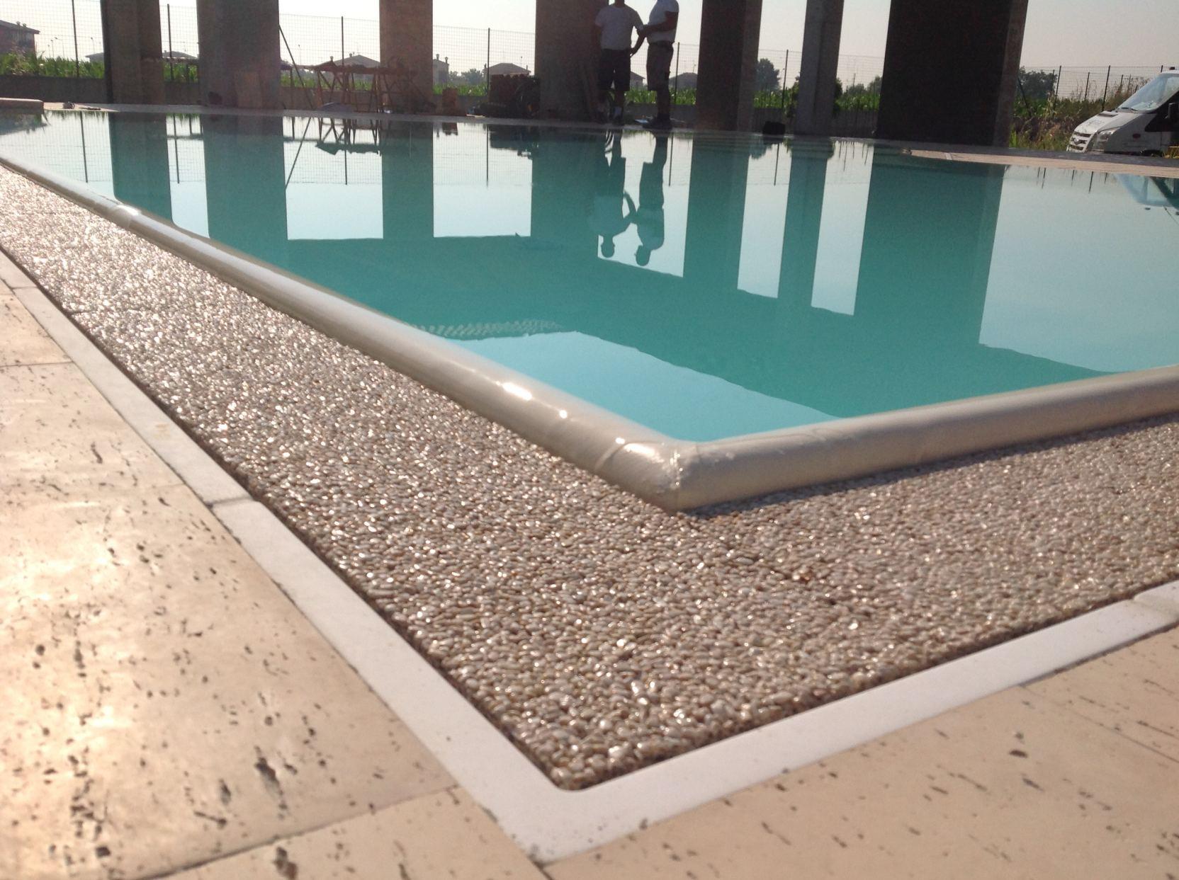 Bagnolo San Vito (12) - Casareggio Piscine: piscine, piscine mantova, costruttori di piscine