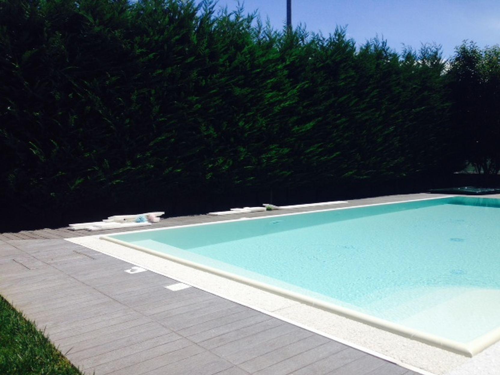Levata (4) - Casareggio Piscine: piscine, piscine mantova, costruttori di piscine
