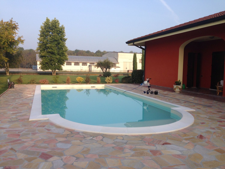 Dosolo (Mantova) - Casareggio Piscine: piscine, piscine mantova, costruttori di piscine