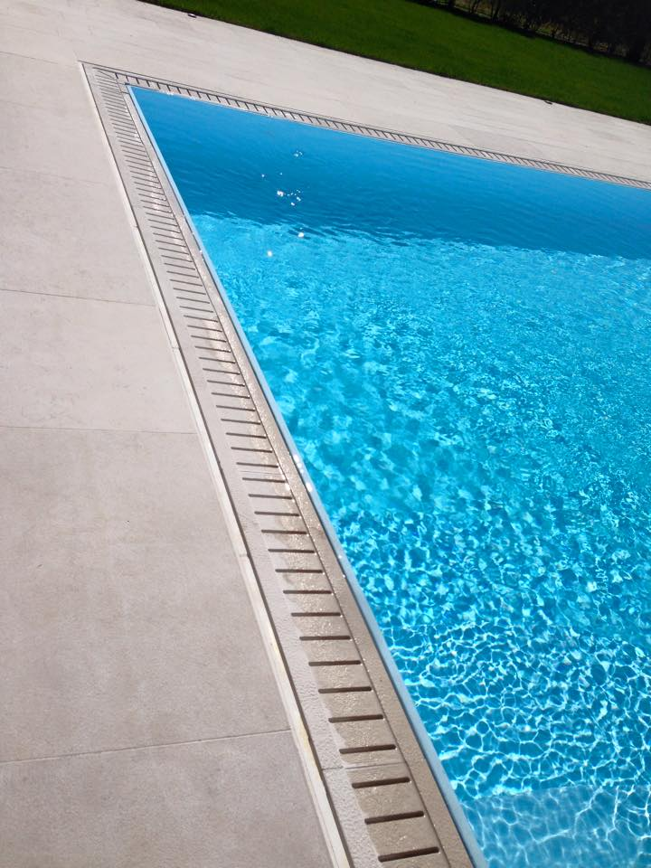 peschiera3 - Casareggio Piscine: piscine, piscine mantova, costruttori di piscine