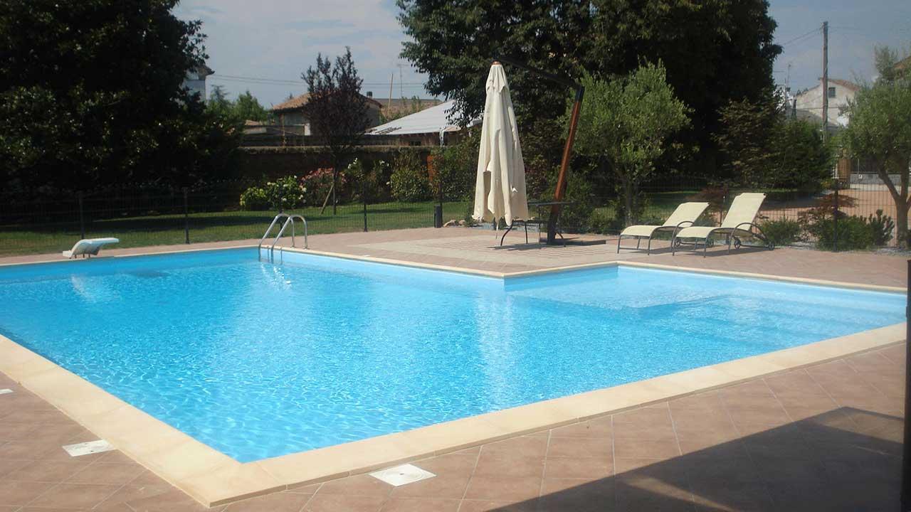 Lavori - Casareggio Piscine: piscine, piscine mantova, costruttori di piscine