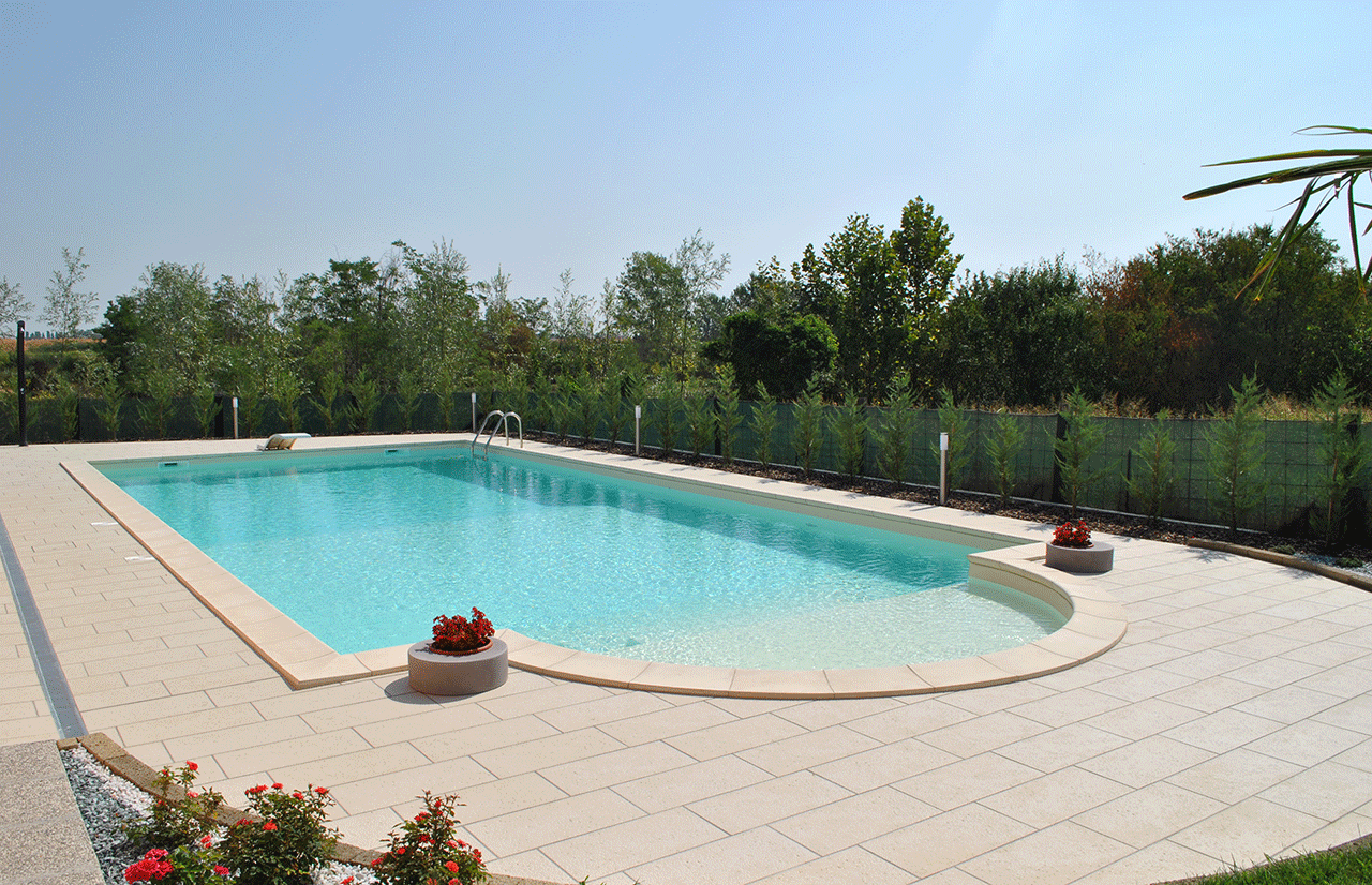 Lavori casareggio piscine piscine piscine mantova for Pavimentazione della piscina