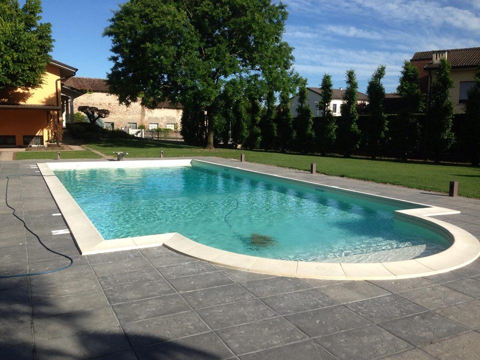 san biagio - Casareggio Piscine: piscine, piscine mantova, costruttori di piscine